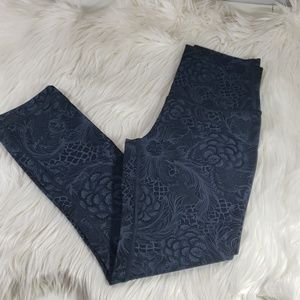 Lululemon athletica cropped leggings size 2